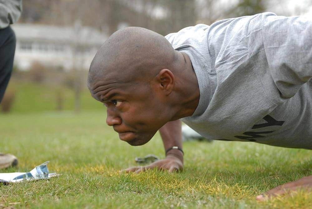 military push ups vs standard push ups