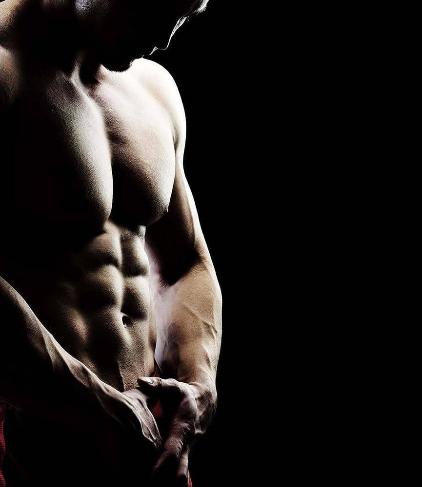 Bodybuilder on a low carb diet